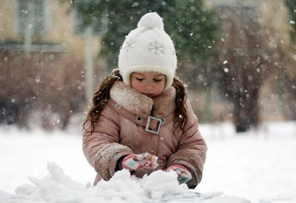 В Екатеринбурге умерла девочка, погребённая трактором под снегом