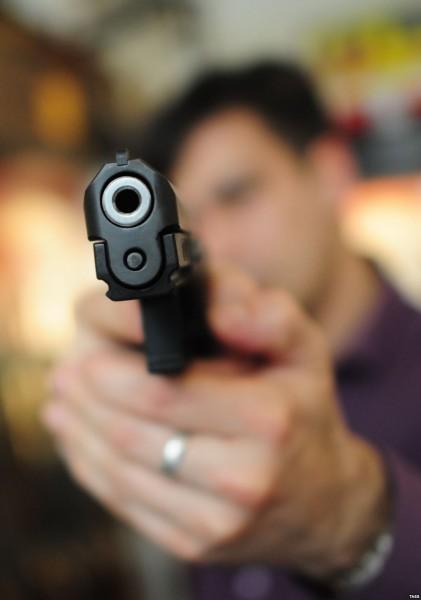 """В кафе под Омском посетитель расстрелял работников из """"травмата"""""""