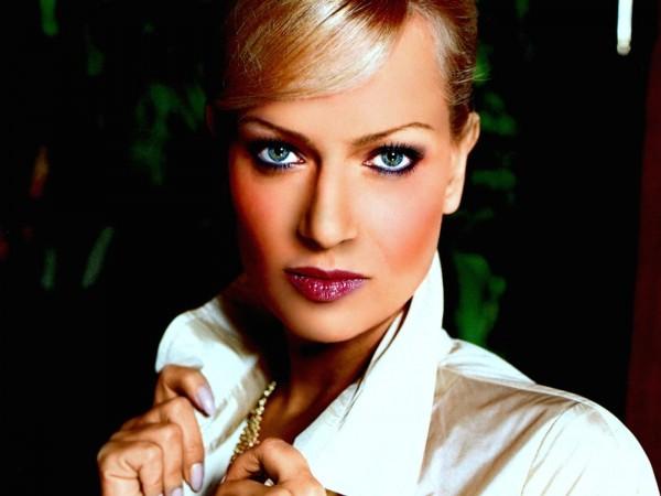 Наряд актрисы олеси судзиловской подобран явно с претензией на канны или оскар