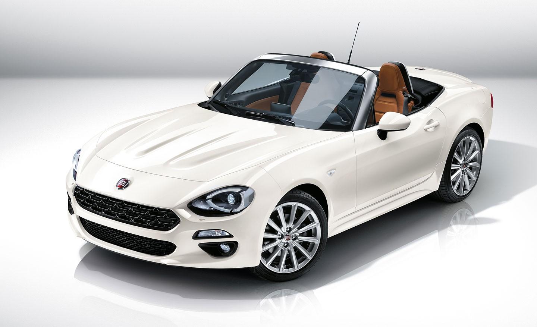 Fiat открыл в Европе прием заказов на новый родстер 124 Spider