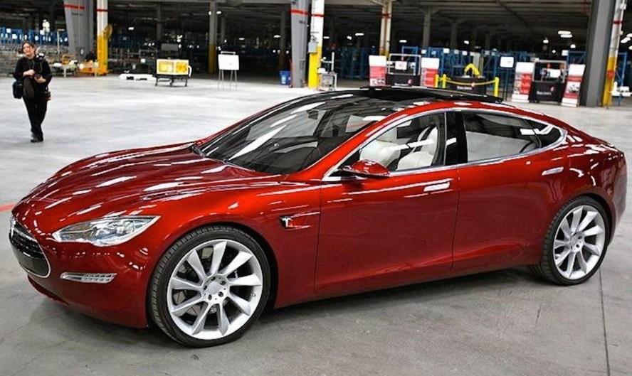 31марта представят Tesla Model S
