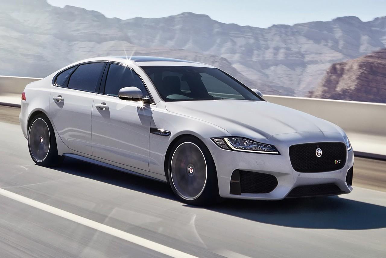 Jaguar снизил цены на новую модель XF