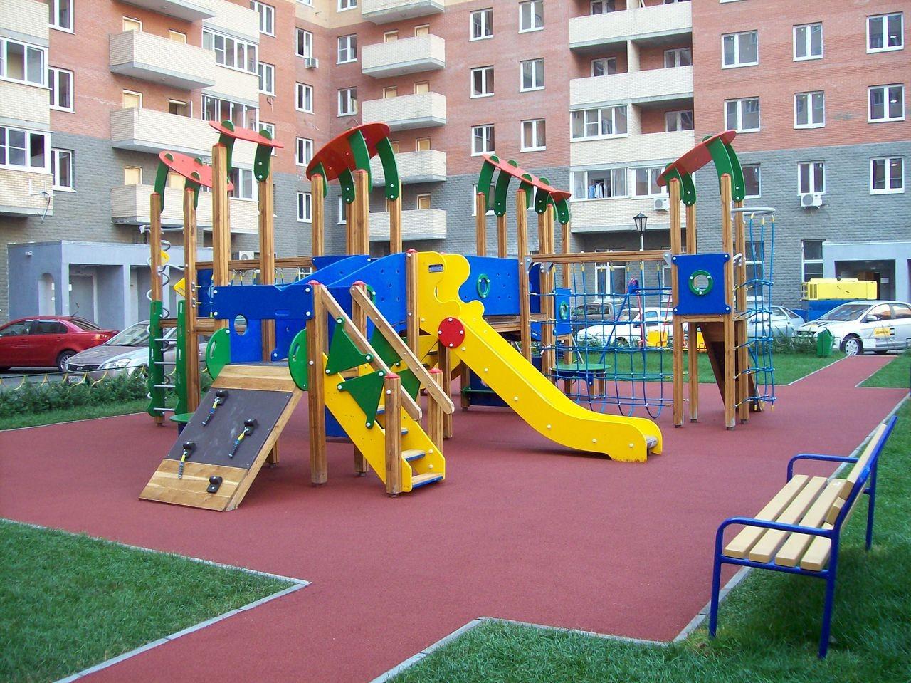 Кто должен благоустраивать детские площадки
