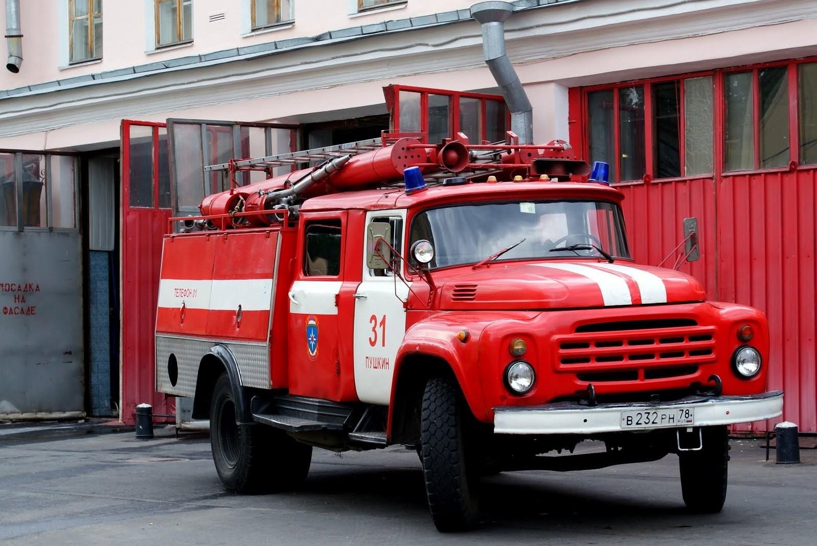 Четыре человека погибли при пожаре в жилом доме Новоуральска