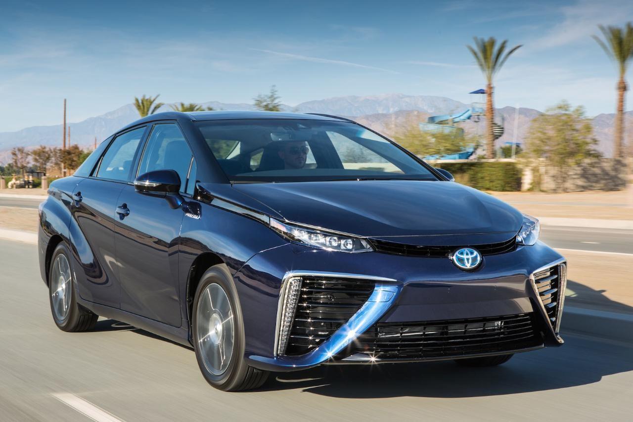 Toyota Mirai признан самым экологичным автомобилем в 2016 году
