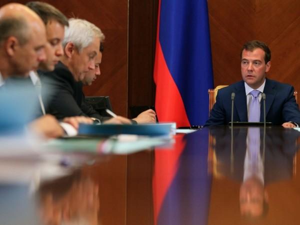 Медведев: Россия увеличит орбитальную группировку до 73 спутников