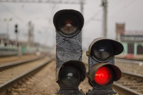 Под Волгоградом 9-летняя девочка из семьи цыган попала под поезд