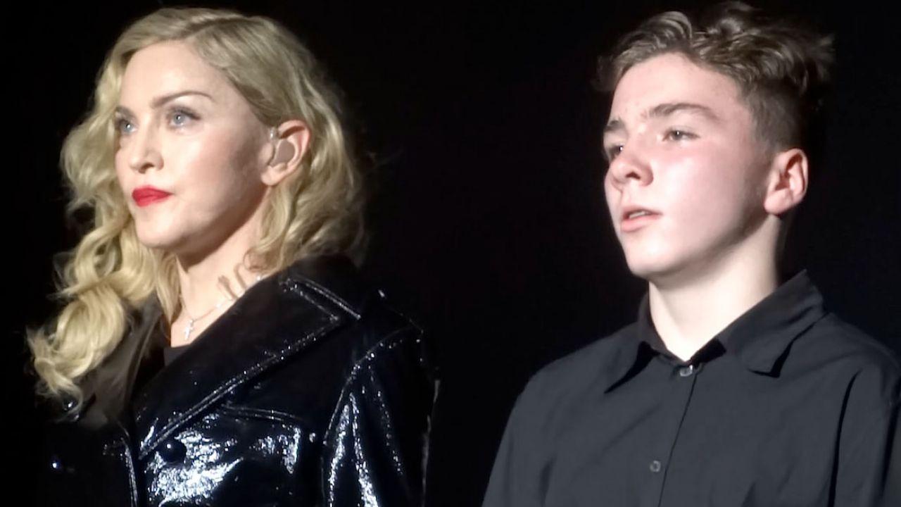 Сын Мадонны оскорбил свою мать