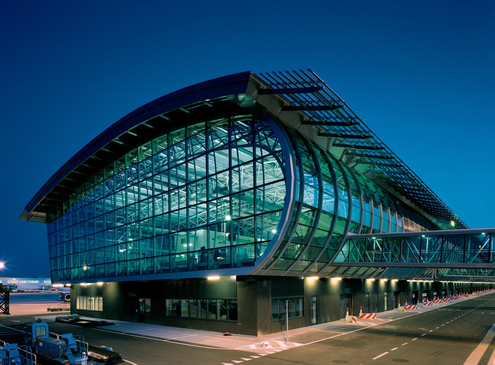 Международный аэропорт Брюсселя парализован из-за забастовки диспетчеров
