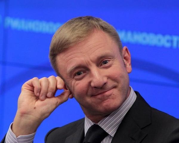 Министр образования РФ написал диктант под диктовку рэпера Басты на пятерку