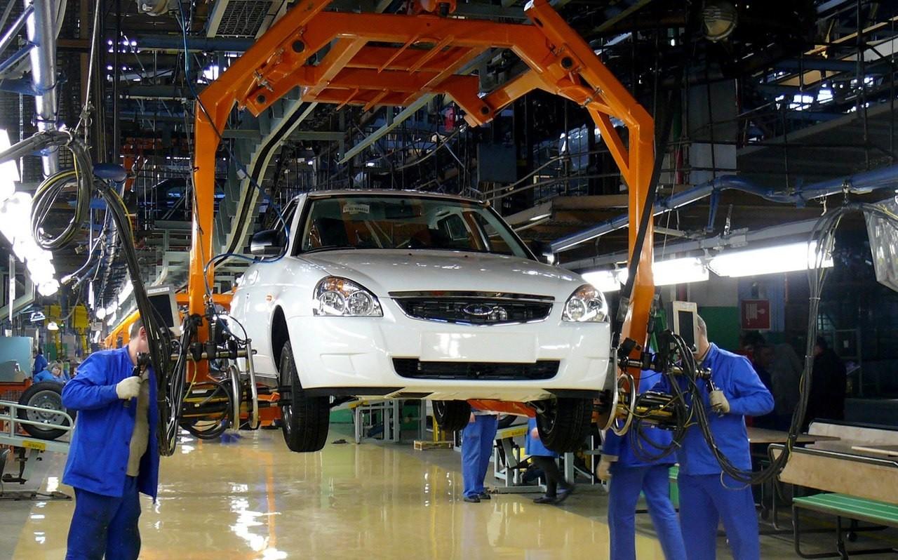 Производство легковых авто в РФ сократилось на 26% в I квартале 2016 года