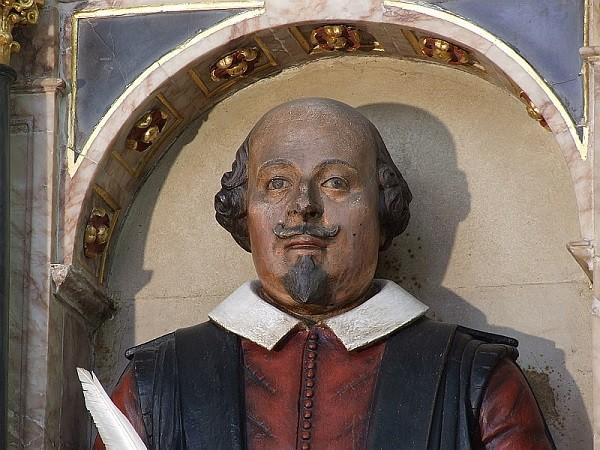 23апреля исполняется 452 года содня рождения великого драматурга Уильяма Шекспира