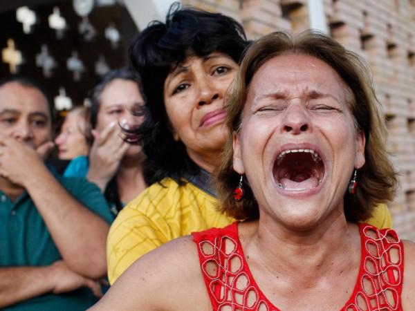 В Венесуэле толпа пыталась заживо сжечь вора