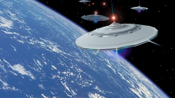 Уфолог: Рядом с Солнцем пролетел гигантский НЛО