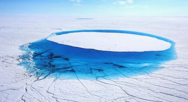 Ученые бьют тревогу: Гренландский ледяной щит рано начал таять