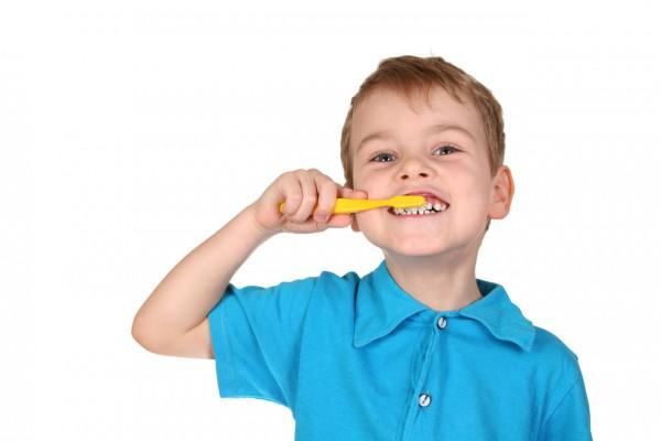 Исследование: Детские зубные пасты ничем не отличаются от паст для взрослых
