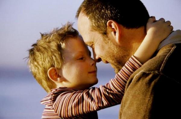 Ученые доказали, что отцы любят своих детей не меньше, чем матери