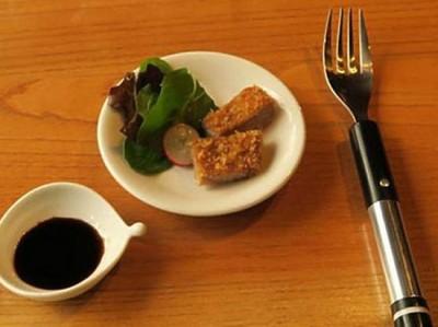 Для любителей бессолевой еды изобретена специальная вилка