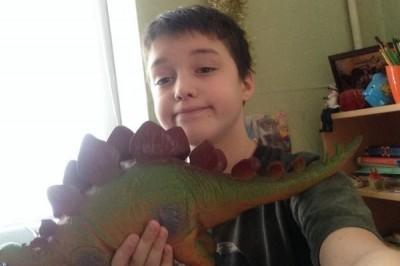 Знаменитый на просторах интернета Степан хочет снять видео с динозаврами