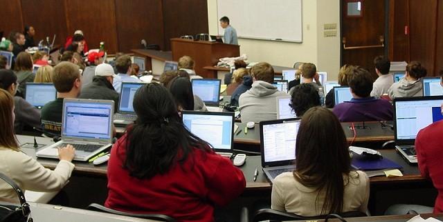 Ноутбук увеличивает успеваемость школьников истудентов— Ученые