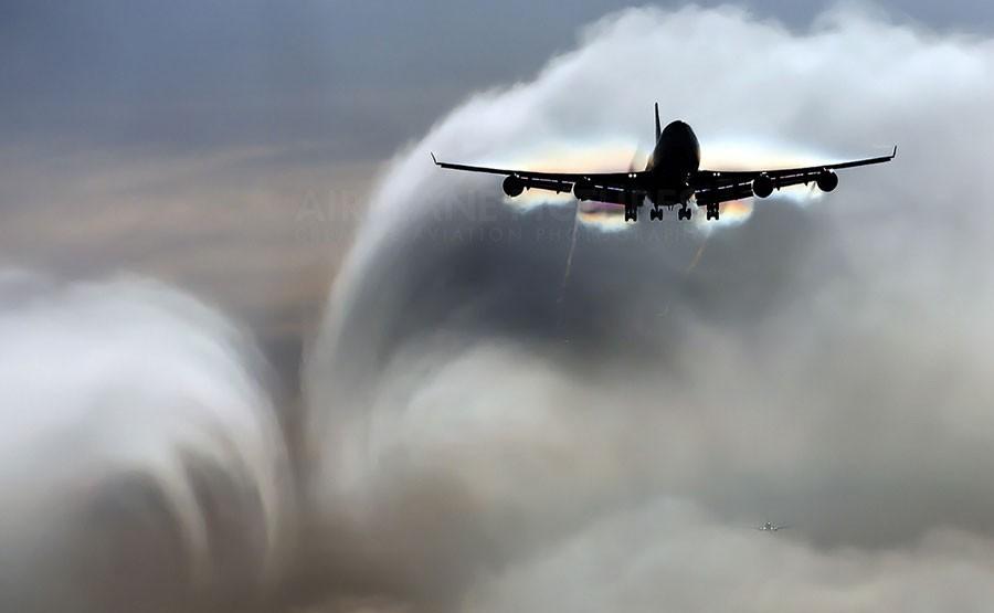 Впопавшем взону турбулентности самолете Etihad травмирован 31 человек