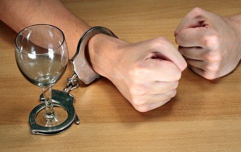 Канадские ученые рассказали как нужно бороться с алкогольной зависимостью