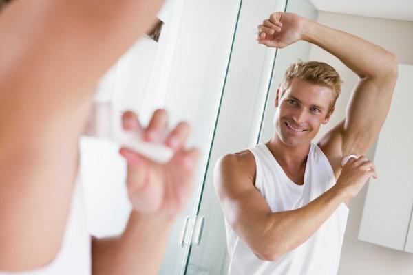 Ученые назвали лучшие дезодоранты, защищающие от пота