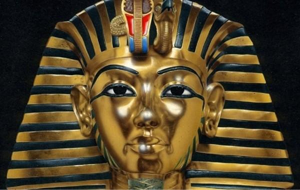 Учёные: Гробницу Тутанхамона строили для женщины