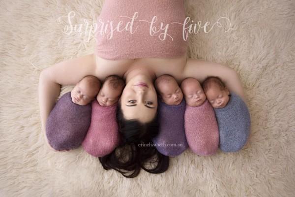 Фотография матери с пятерняшками покорила пользователей Сети