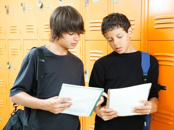 Учёные выяснили причину неуклюжести подростков