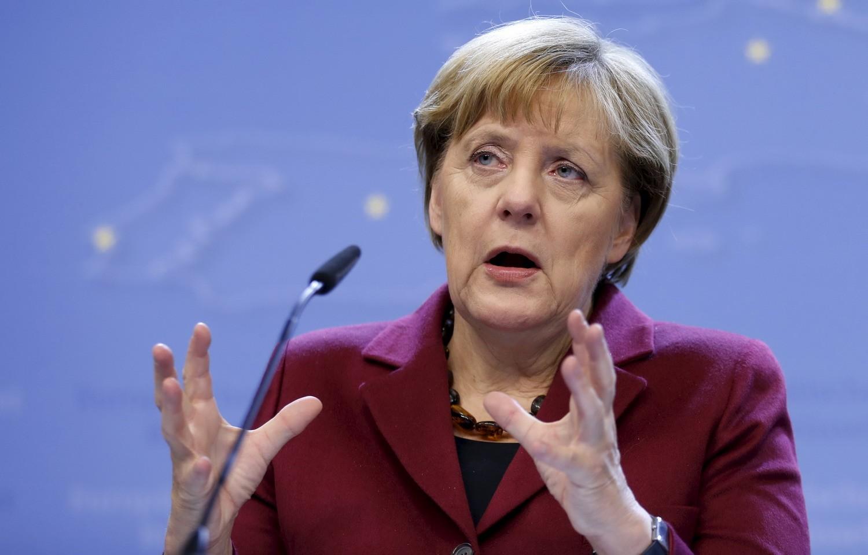 Меркель выступает запостепенное сближение сРФ