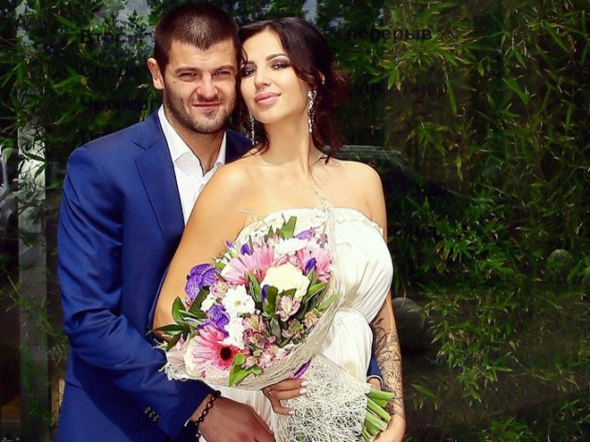 Радулов и Дмитриева сыграли шикарную свадьбу