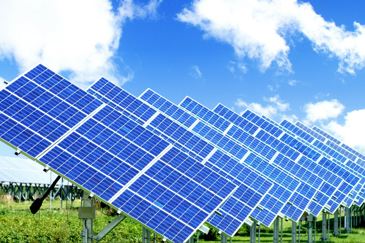 Apple будет торговать избытки энергии солнечных батарей скрыши собственной ...