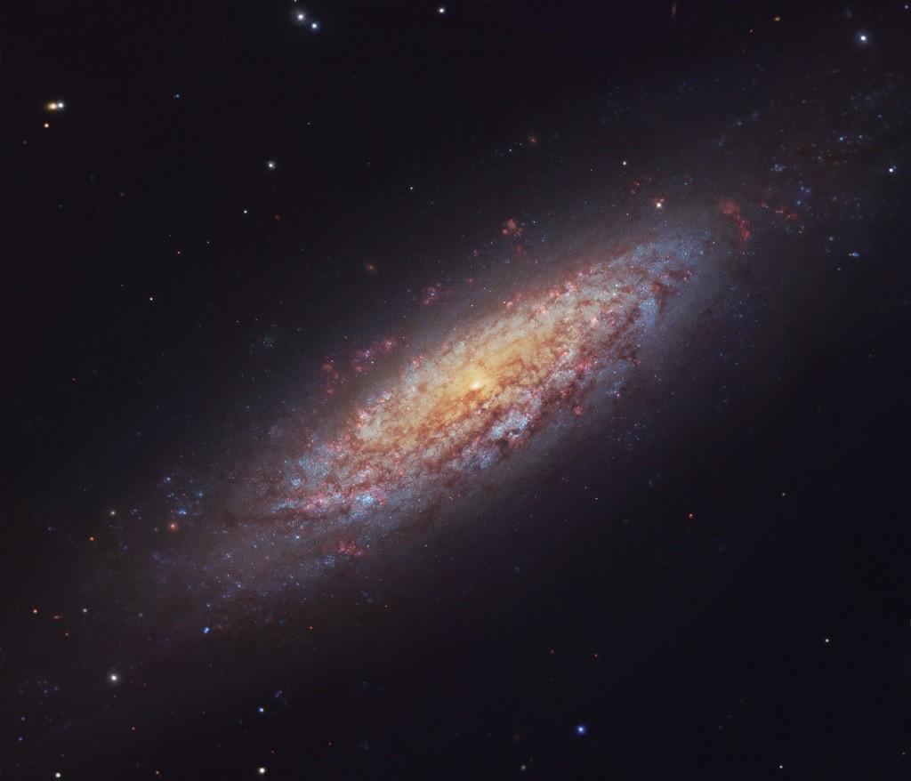 ВоВселенной обнаружили таинственную галактику-отшельницу