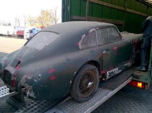 Найденный в Великобритании Aston Martin продадут за $1,3 млн