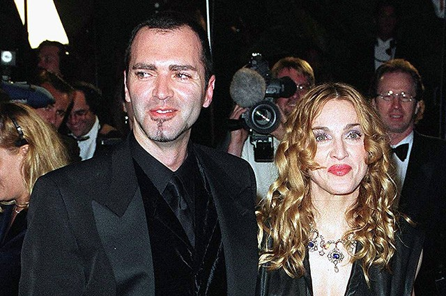 Брат Мадонны женился наследующий день после помолвки
