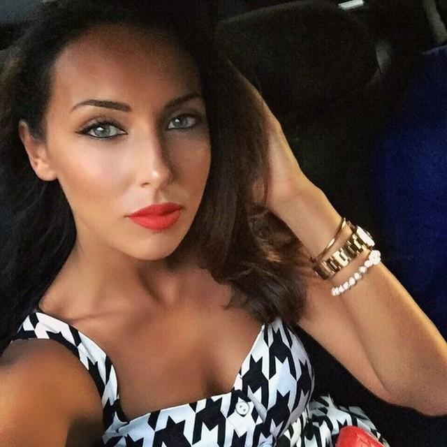 Видео порно с певицами русскими алсу, секс девушек на публику