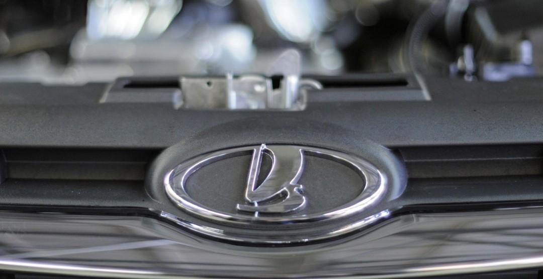 АвтоВАЗ ожидает падения продаж в РФ на 7% в 2016 году