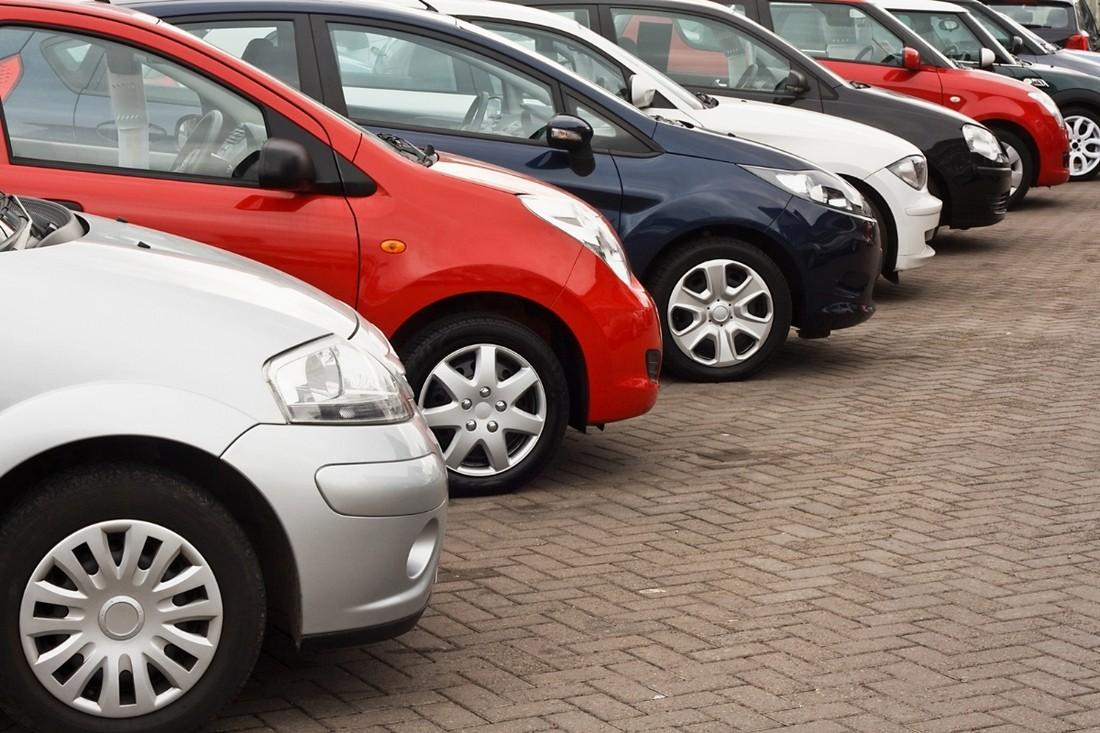 Автостат назвал среднюю стоимость подержанных автомобилей в РФ