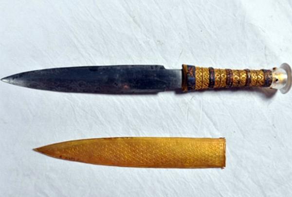 Ученые доказали, что кинжал Тутанхамона изготовлен из внеземного материала