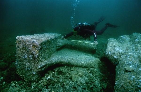 Ученые: Подводным «затерянным городом» оказались геологические образования