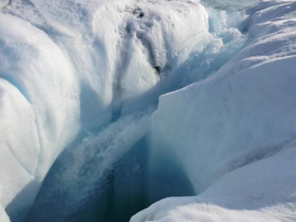 Таяние льдов Гренландии 2015 года подтверждает арктическую амплификацию