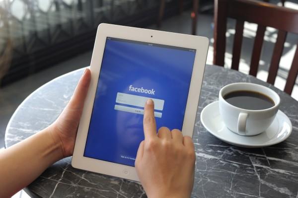 Исследование: Большинство граждан США читают новости в соцсетях