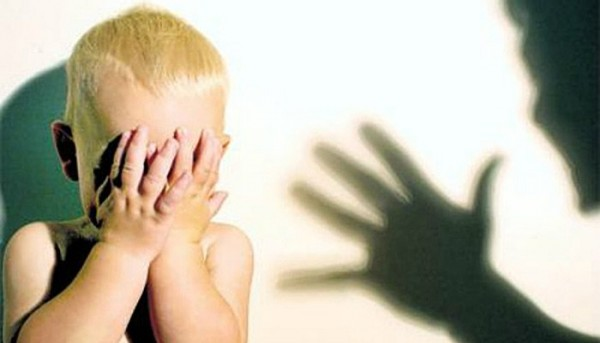 Ученые: Дети после насилия могут стать наркоманами