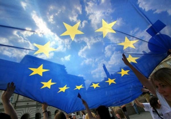 """Франция и Германия собираются создавать """"супергосударство"""" в Европе"""