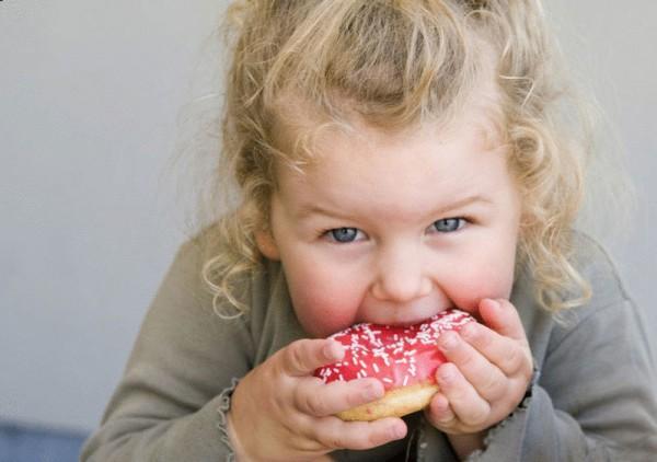 Ученые: У работающих матерей дети страдают ожирением