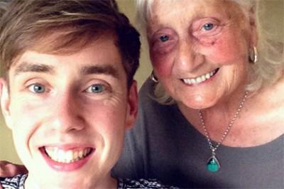 Компания Google выразила благодарность вежливой британской бабушке
