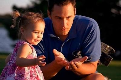 Ученые: Частое общение с отцом улучшает здоровье ребенка
