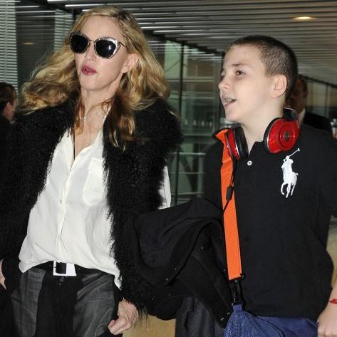 Мадонна ссыном Рокко отдыхают встолице Англии