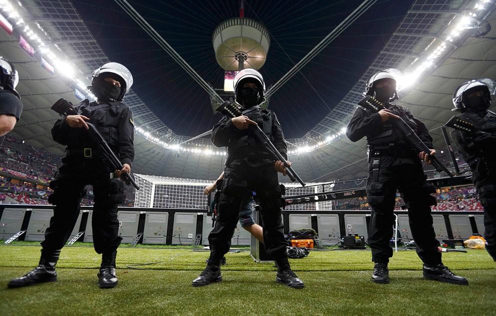 Встолице франции усилили меры безопасности перед концом чемпионата Европы  ...